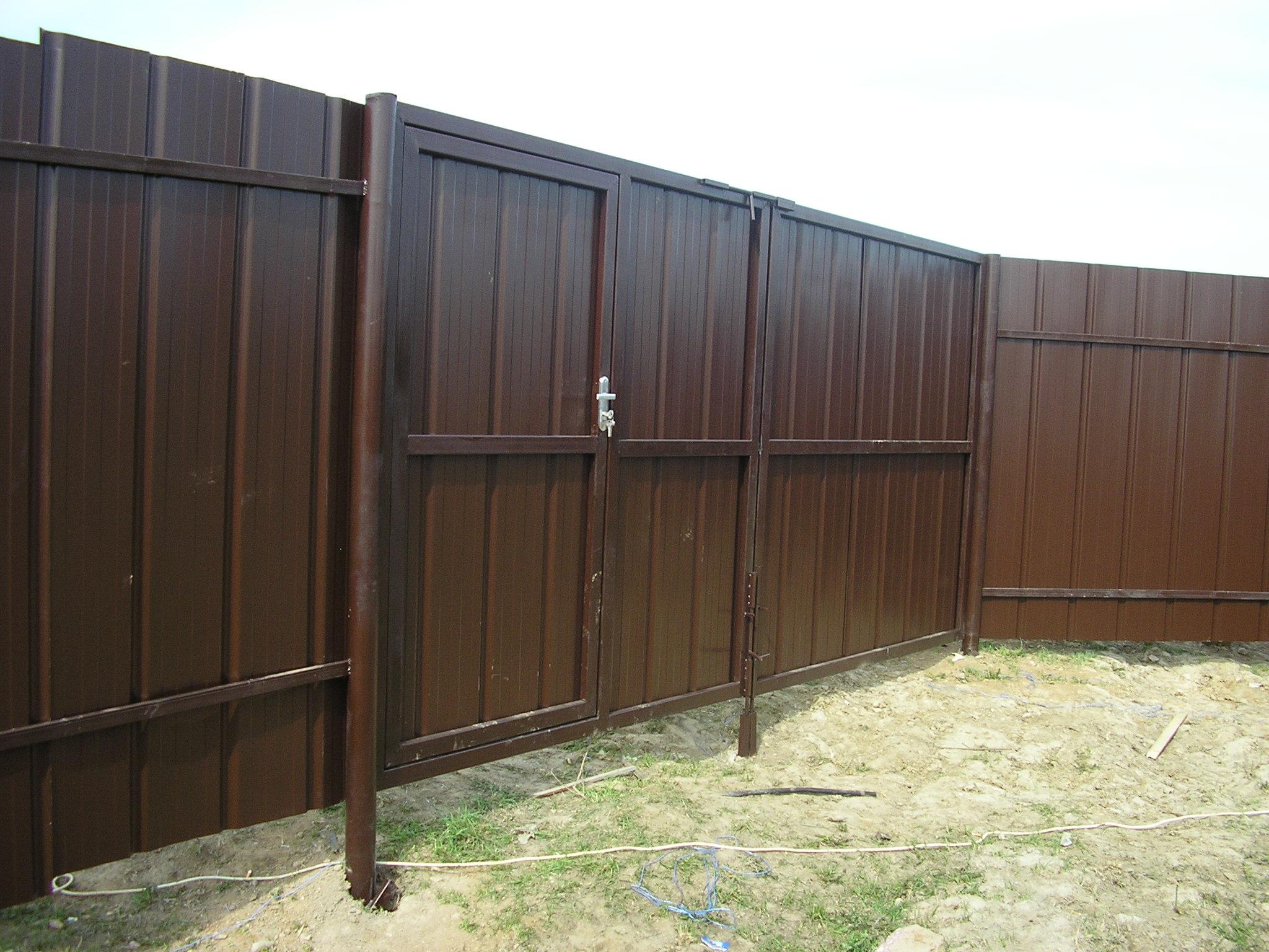 Ворота калитки из профнастила фото 6
