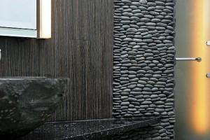 Галька в дизайне интерьеров