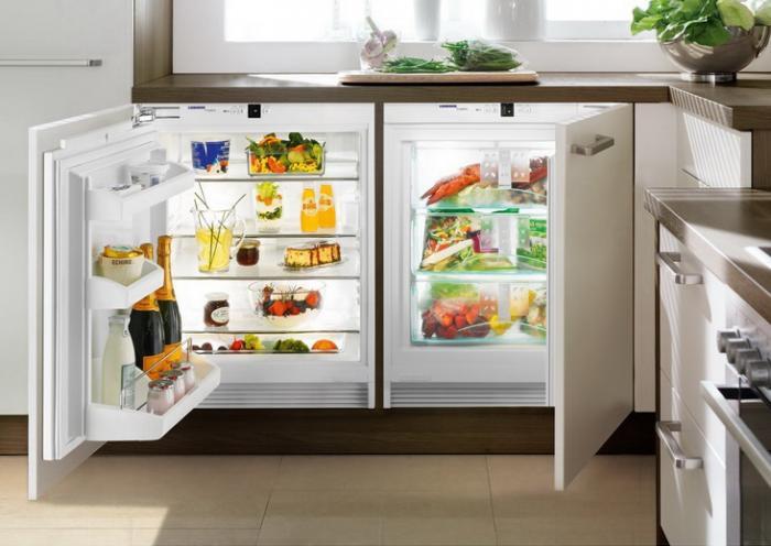 кухня маленький холодильник