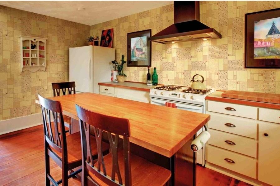 древесные обои на кухню