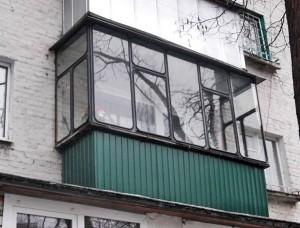 Остекление балкона при помощи авторезины