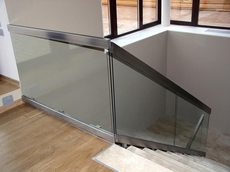 лестничные ограждения из стекла