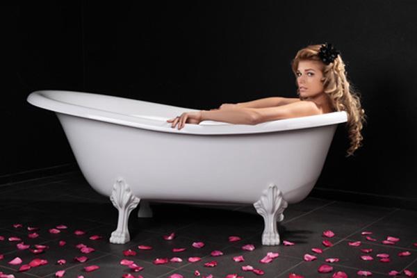 Хорошая чугунная ванна