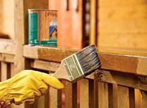Средства для ухода и защиты дома из бруса