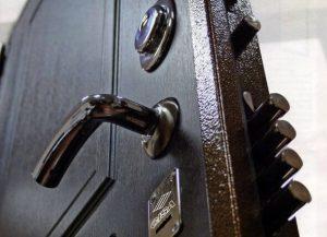 Входная металлическая дверь китайского производства
