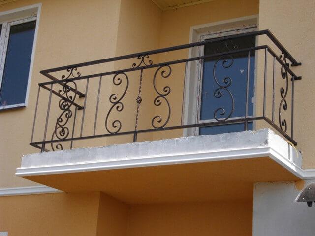 Ограждения для балконов из металла ремонт и строительство.