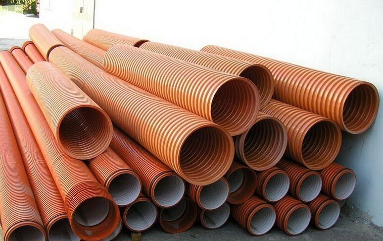 Трубопровод канализации из поливинилхлорида
