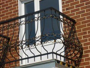 Ограждения для балконов из металла