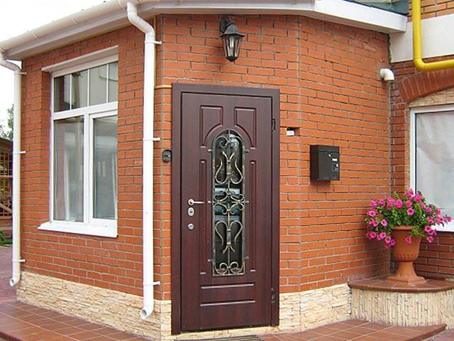Металлические входные двери для дачи