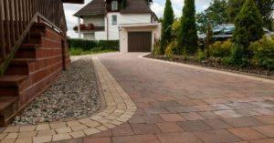 Выбор тротуарной плитки для загородного дома 2018
