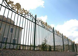 секционный забор для дома